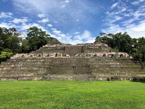カラコル遺跡